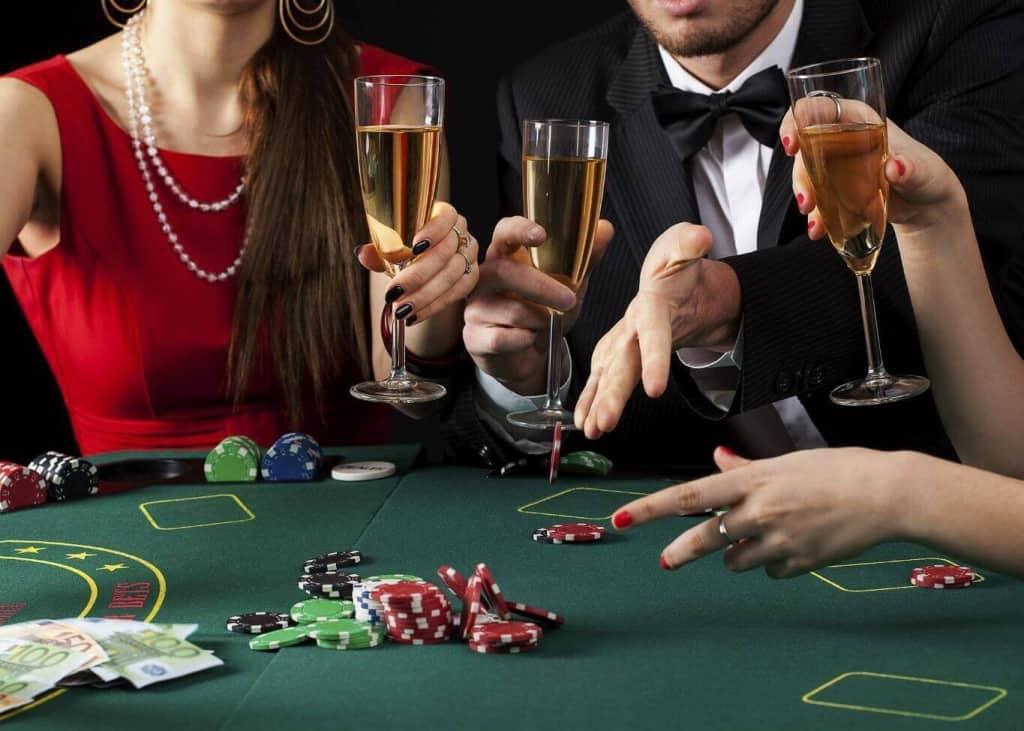 Pelaamassa kasinolla